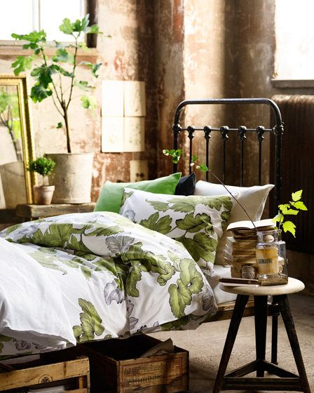 Grand Theme Of Living Room Classy Home Decor With Green: 1000+ Ideas About Metal Bed Frames On Pinterest