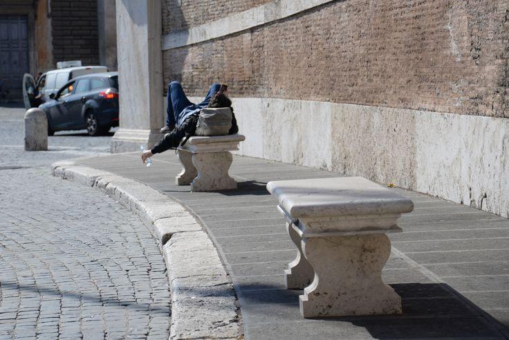 "#Roman teenager takes advantage of the benches in #PiazzaDelPopolo to ""sunbathe"""