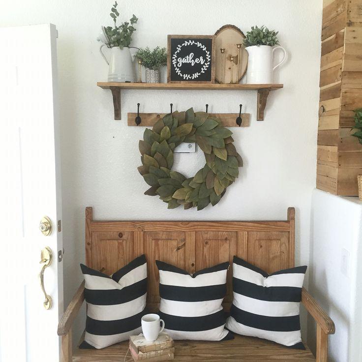 Best 20 rustic entryway ideas on pinterest foyer table for Farmhouse mudroom ideas