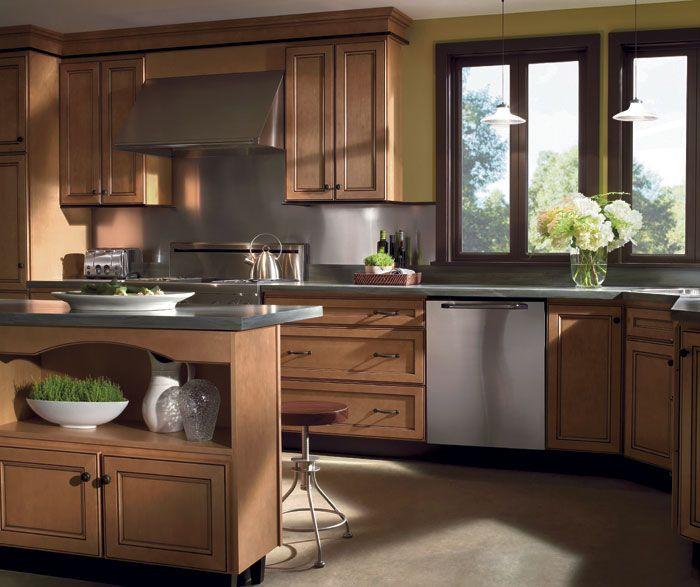 Light Maple Kitchen Cabinets: Homecrest Maple Eastport, GInger Stain