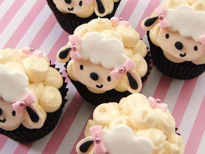 {Sheep/Lamb Theme Cupcakes}