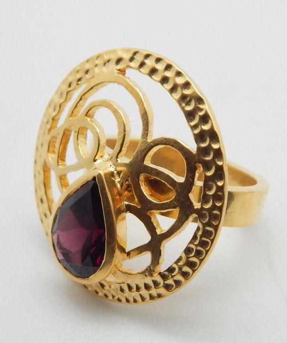 Wedding Ring Black Friday Vente grenat naturel Bague à pierre précieuse à la main avec 22k plaqué or jaune Designer Bijoux artisanaux Design