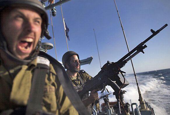 Наказание Газы: Отлив, прилив, вздохи http://islam.com.ua/obzori/19314-nakazanie-gazy-otliv-priliv-vzdokhi На суше и в воздухе его еще придерживаются, но не в море. Там израильские военные продолжают стрелять в рыбаков из осажденной Газы; в людей, которые пытаются заработать себе на жизнь с помощью моря, потому что это так сложно сделать на суше. #Газа, #море, #Израиль, #военные, #рыбаки, #арабы, #Палестина, #обзор, #статья,