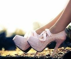 I. WANT. THESE!Fashion, Pink Sparkle, Bling Shoes, Pink Ribbons, Pink Heels, Pink Glitter, Pink Shoes, High Heels, Pink Diamonds