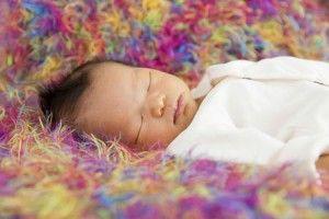 domir sofa aumenta riesgos para bebé