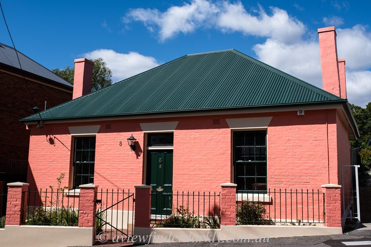 The pink cottage in Battery Point