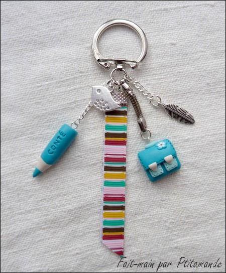 Porte clés cartable et crayon coloris turquoise en Fimo : Porte clés par ptitamande
