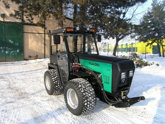 W-5000 YUKON Articulated Utility Tractor - High performance tractors, mowers, and outdoor power equipment - WISCONSIN Engineering