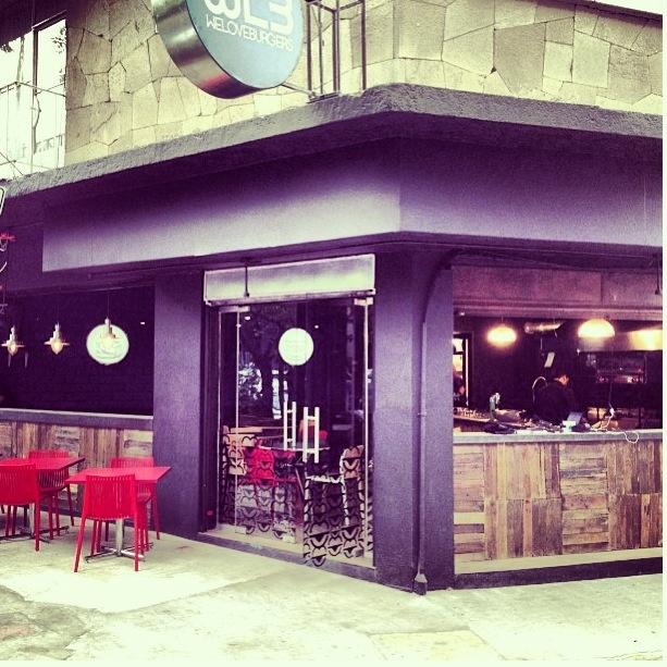 Fachada proyecto restaurante we love burgers wlb en la for Fachada para restaurante