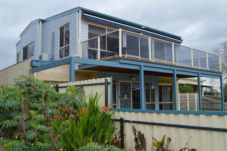 Our Azure blue coloured insulated vinyl weatherboard.