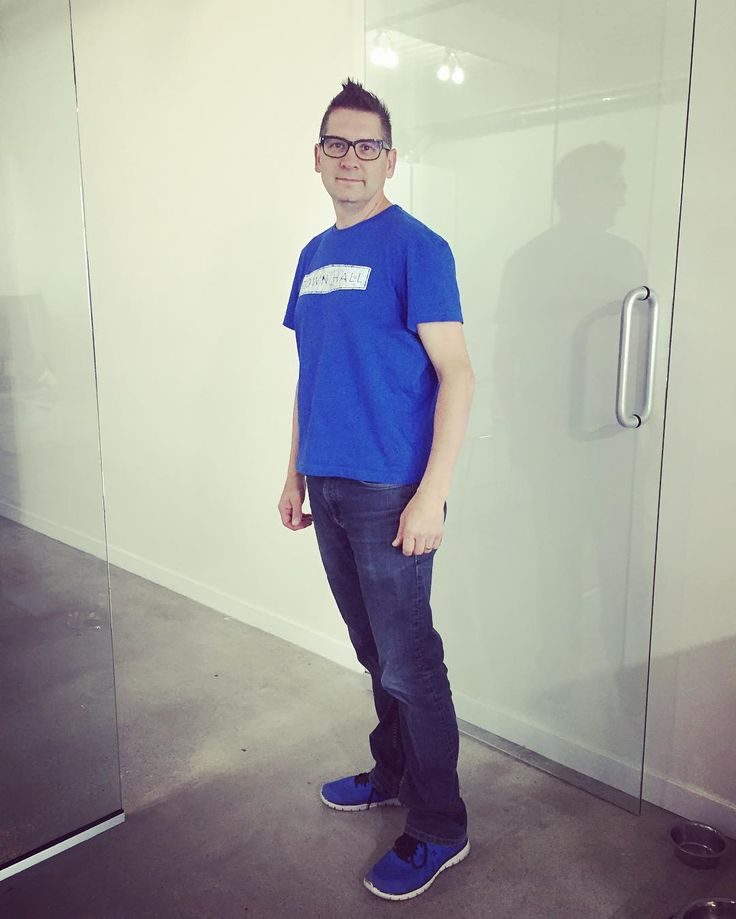 Here's our lead designer & co-owner @andrewvonrosen with his #withtownhall #ootd - his @townhallbrands T with denim & @champion shoes in coordinating indigo @pantone 286 #whatiworetowork #whatiworetoday #menwithstreetstyle #outfit #fashion #streetstyle #igstyle #humour by townhallbrands