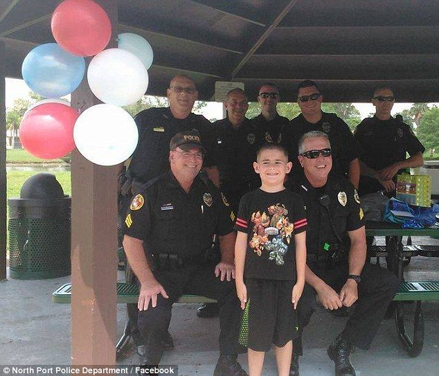 Good job! Thank you! Police celebrate autistic Florida boy's 8th birthday after no one RSVPs | Daily Mail Online