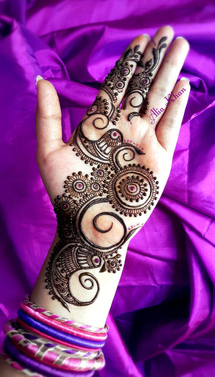 Superb mehandi By Alia Khan