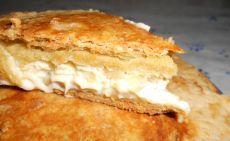 Французский пирог с сыром и луком.