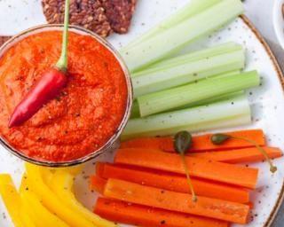 Caviar de poivrons rouges pimentés pour brûler des calories