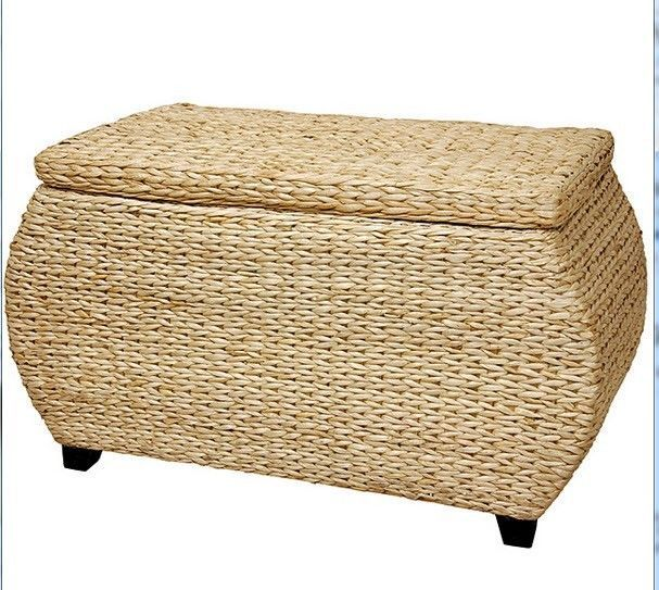 """Possible toy box for Buggy in the living room -- having the lid would """"Hide"""" things :)  RATTAN Storage Chest Storage Trunk Linens Quilts Coffee Table Toys Basket Hope #Asian"""