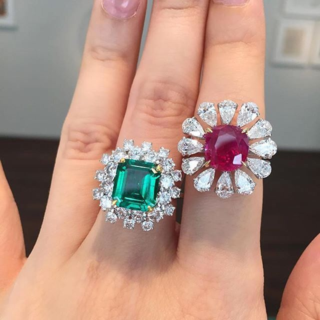 Amazing rings to be auctioned next month in Hong Kong by @christiesinc #VanCleefanArpels Emerald and Diamond ring