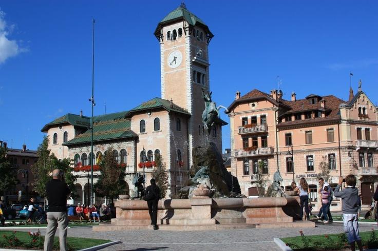 La nuova Piazza ed il Municipio di Asiago