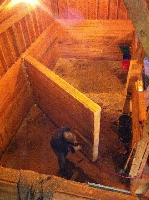 movable stall divider for a foaling stall (maybe a possibility for one of the divider walls?)
