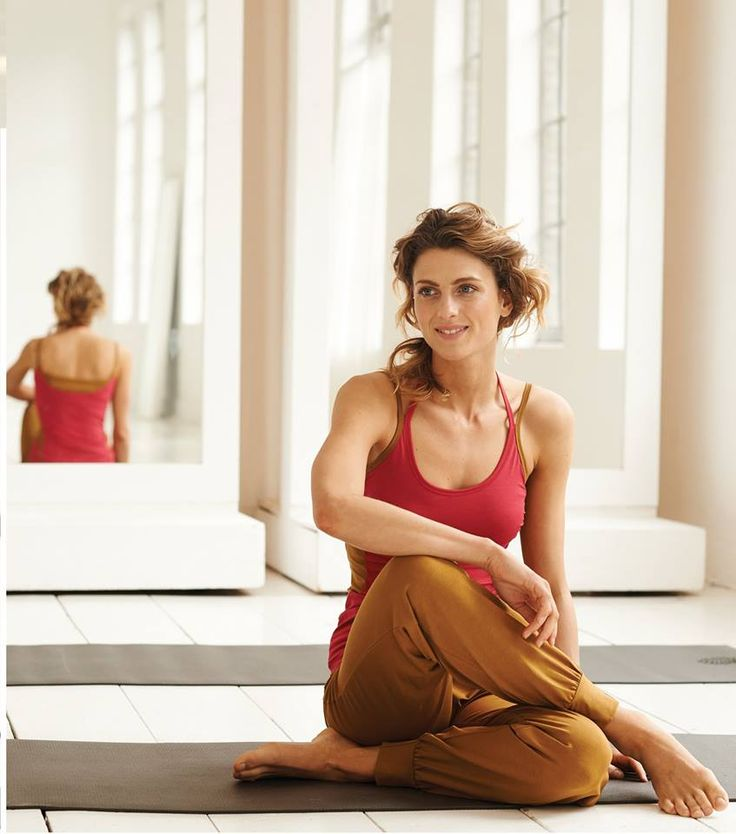 Have you seen our beautiful AW14 collection yet? From gorgeous gold yoga pants through to our cashmere knitwear pieces, Wellicious shows you how to bring sport and style together!  Go to www.wellicious.com to shop now! #lifestyle #luxe #active #yoga #shop