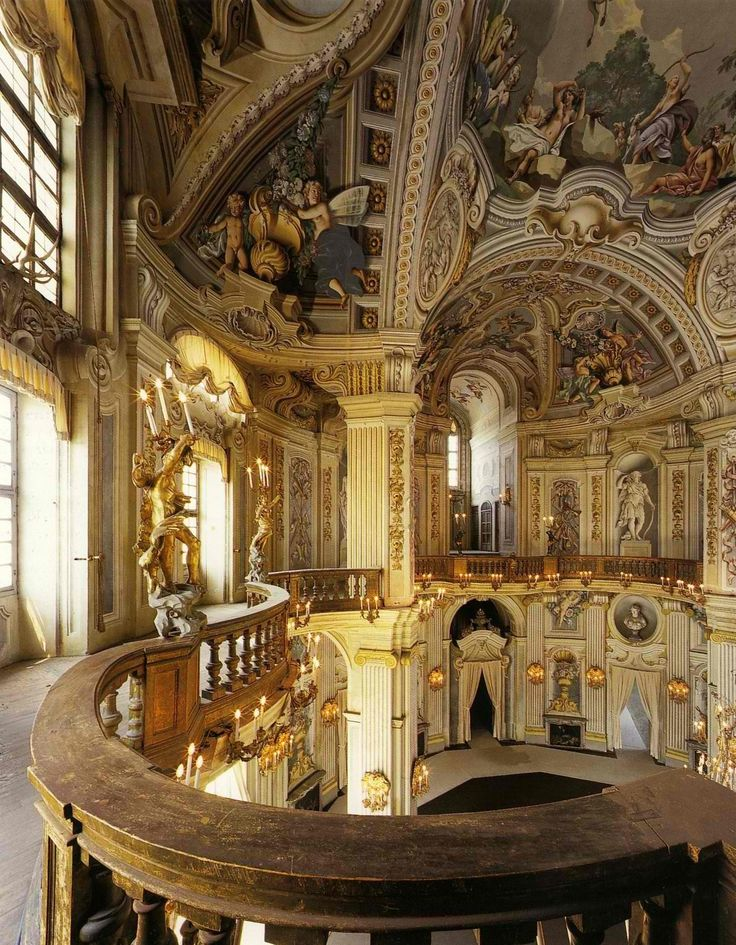 Overload for the senses! This is just so over the top! Imagine when it is full of people, the laughter, and conversation, the music and the heady perfumes!  Stupinigi palace, main hall and staircase (1729-1733 )