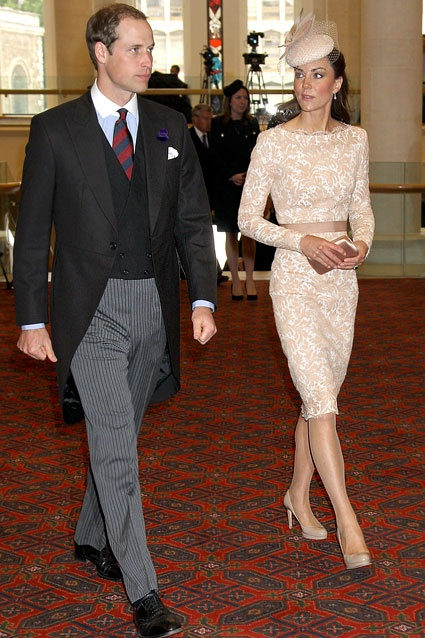 Prince William and Kate walk to Diamond Jubilee reception at Guildhall on June 5, 2012 in London, England.: Alexander Mcqueen, Diamond Jubilee, Diamonds, Queens, Prince William, Kate Middleton, British Royal, Photo, Queen S Diamond