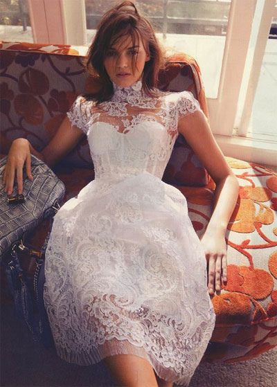 White lace dress / alex perry