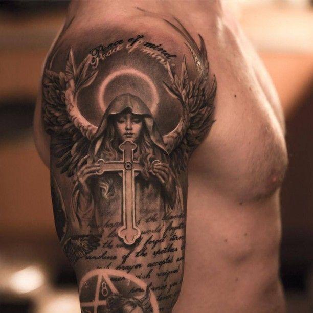 Tattoo Nonne mit Kreuz und Flügeln