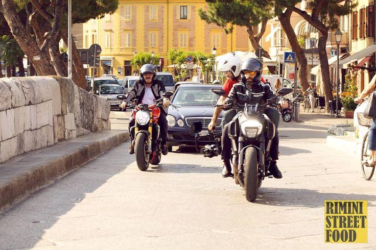 Riprese in corso per le strade di #Rimini  #riministreetfood #oscarfarinetti www.riministreetfood.com