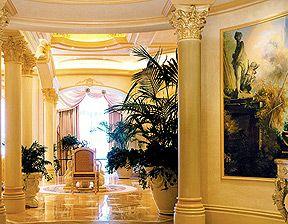 Get  #Las Vegas Strip hotel for Less