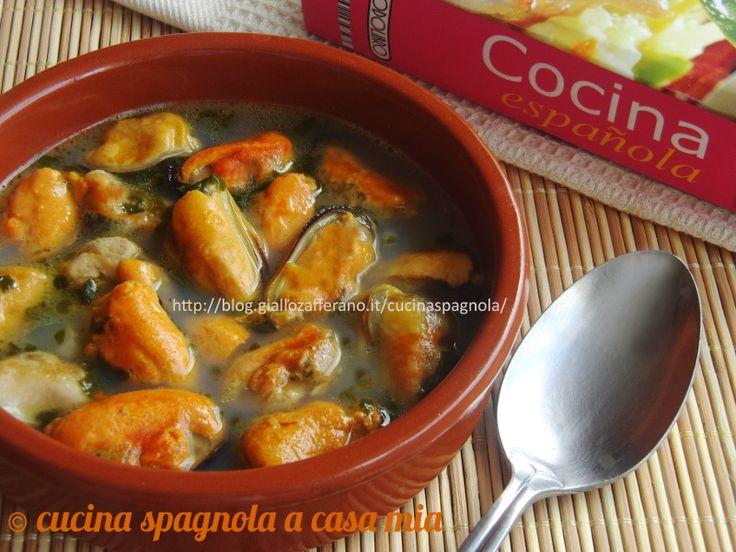 COZZE ALLA MARINARA ALLO STILE ASTURIANO: http://blog.giallozafferano.it/cucinaspagnola/cozze-alla-marinara-ricetta-asturiana/