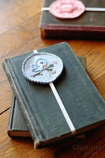 Embroidered bookmarks on elastic