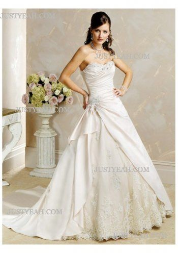Sweetheart neckline with an Strapless Wedding Dresses 2016