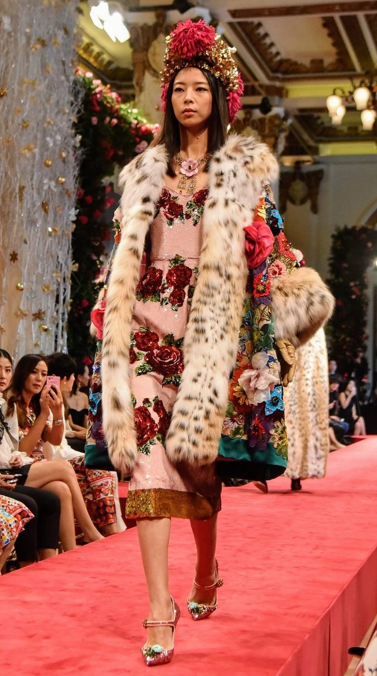 Dolce & Gabbana Alta Moda and Alta Sartoria in... |