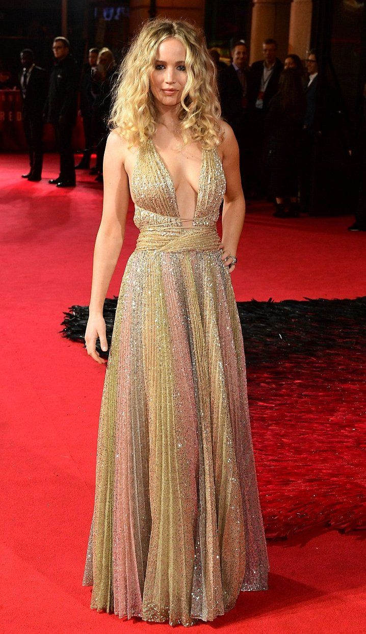 4b143501 Jennifer Lawrence in Christian Dior attends the London premiere of