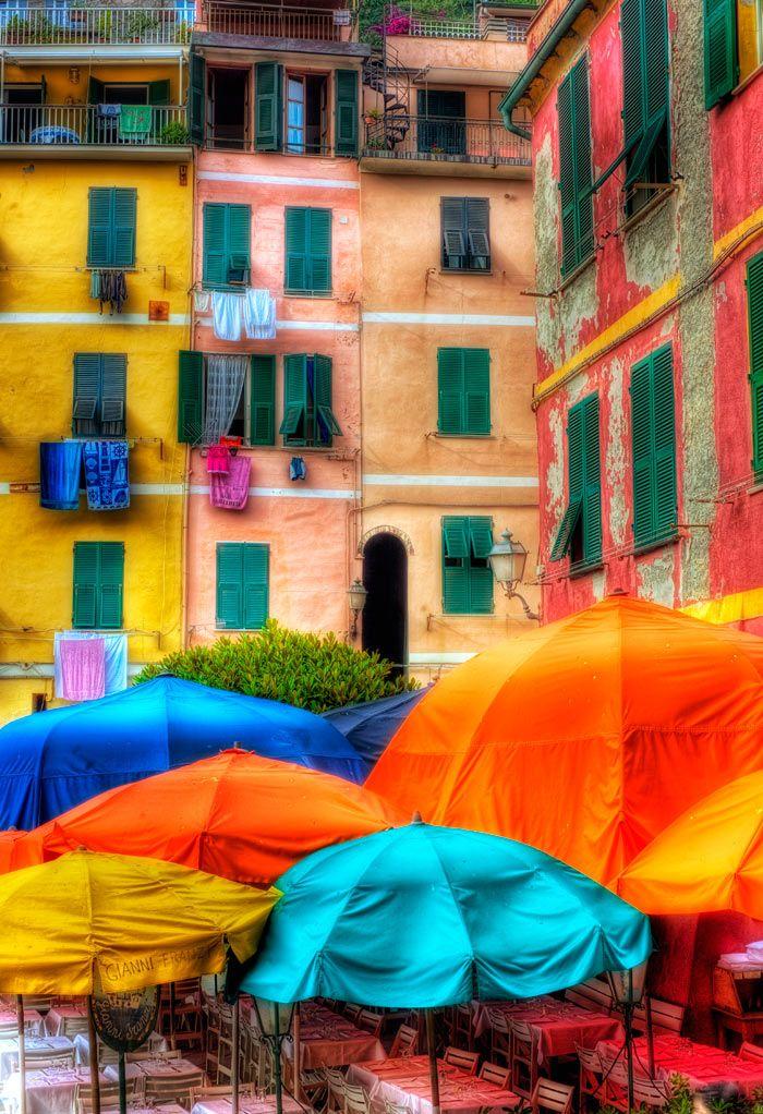 windows in Cinque terre, Italy: Colour, Cinque Terre Italy, Wall Decor, Cinque Terre Italy, Umbrellas, Favorite Places, Rainbows Color, Colors, Photo