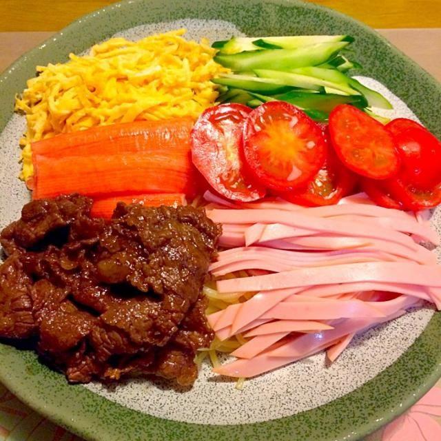 お友だちにおしえてもって牛肉のしぐれ煮を入れてみました〜*\(^o^)/* 今日はわたしのだけ〜V(^_^)V 2014.7.14 - 66件のもぐもぐ - 冷やし中華で夕食 by kazu347