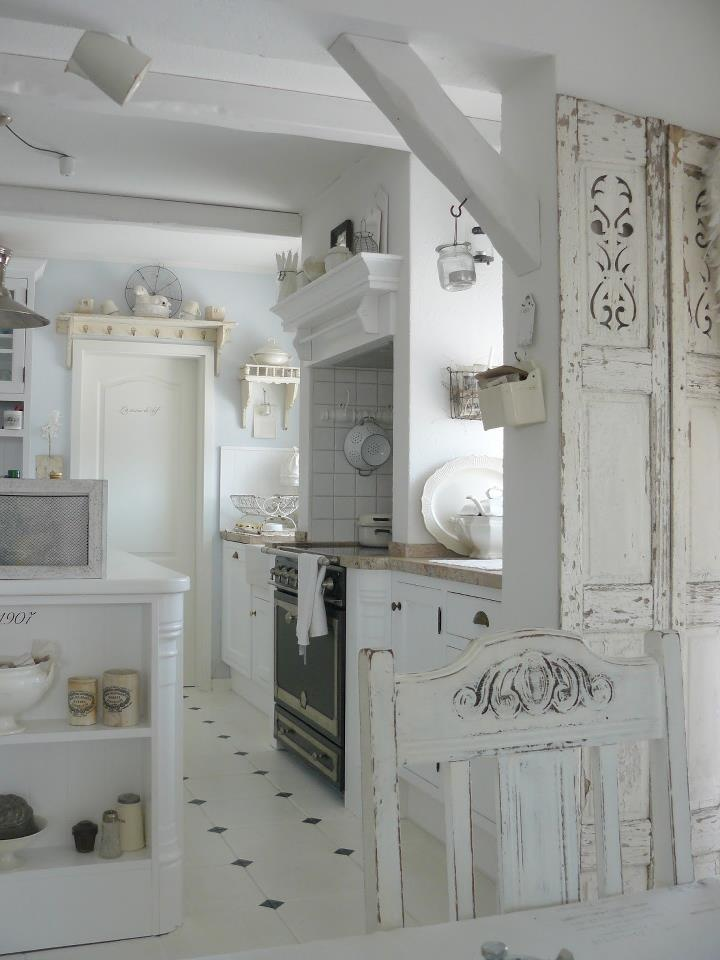 Again, not a fan of too much shabby, but I do like this kitchen