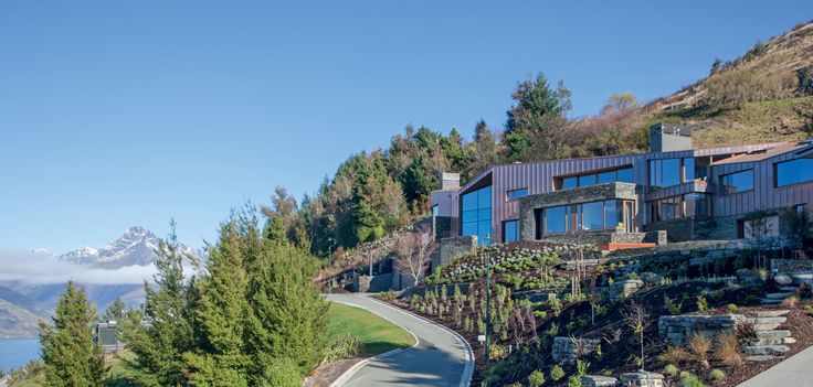 Clad in copper, this house both absorbs and reflects the light, merging almost seamlessly with its surroundings.