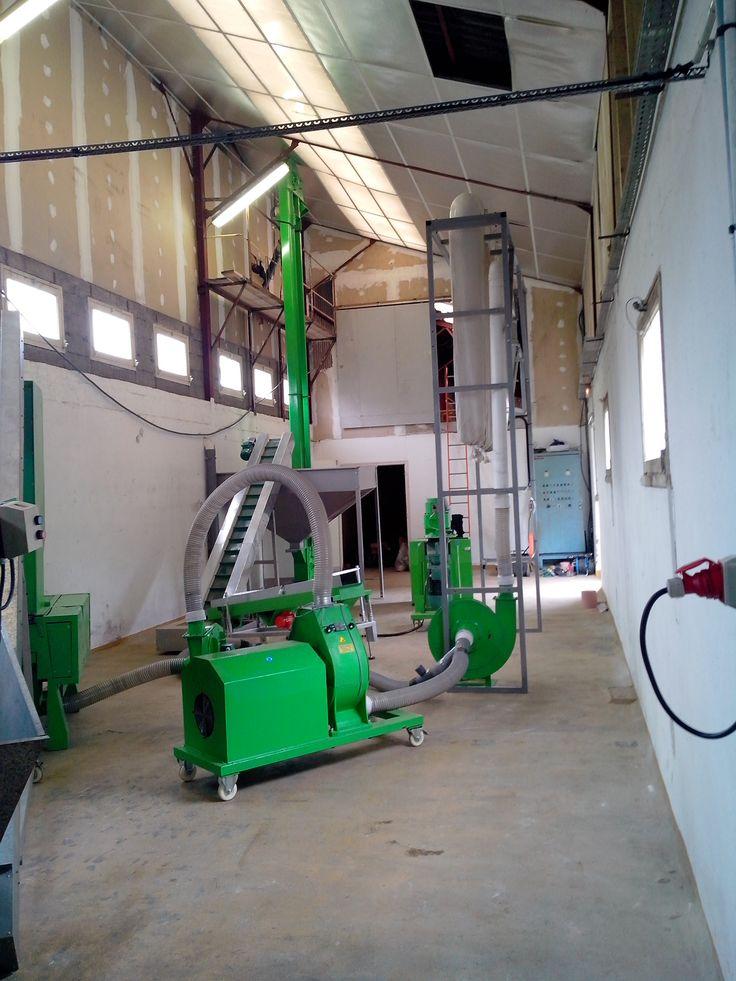Machine de #granule de #biomasse pour la maison #bois #filièrebois - fabrication presse hydraulique maison