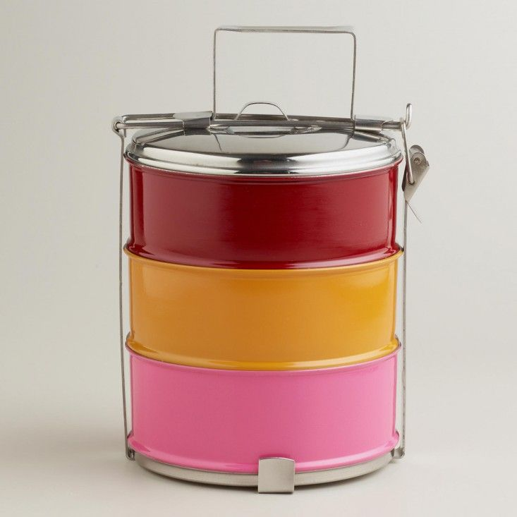 As part of my goal to reduce the amount of plastic and waste I create I think I might have to invest in one of these super cute and colourful on-the-go food containers!