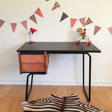 isidore le bureau vintage des ann es 50 r nov a retrouver sur. Black Bedroom Furniture Sets. Home Design Ideas