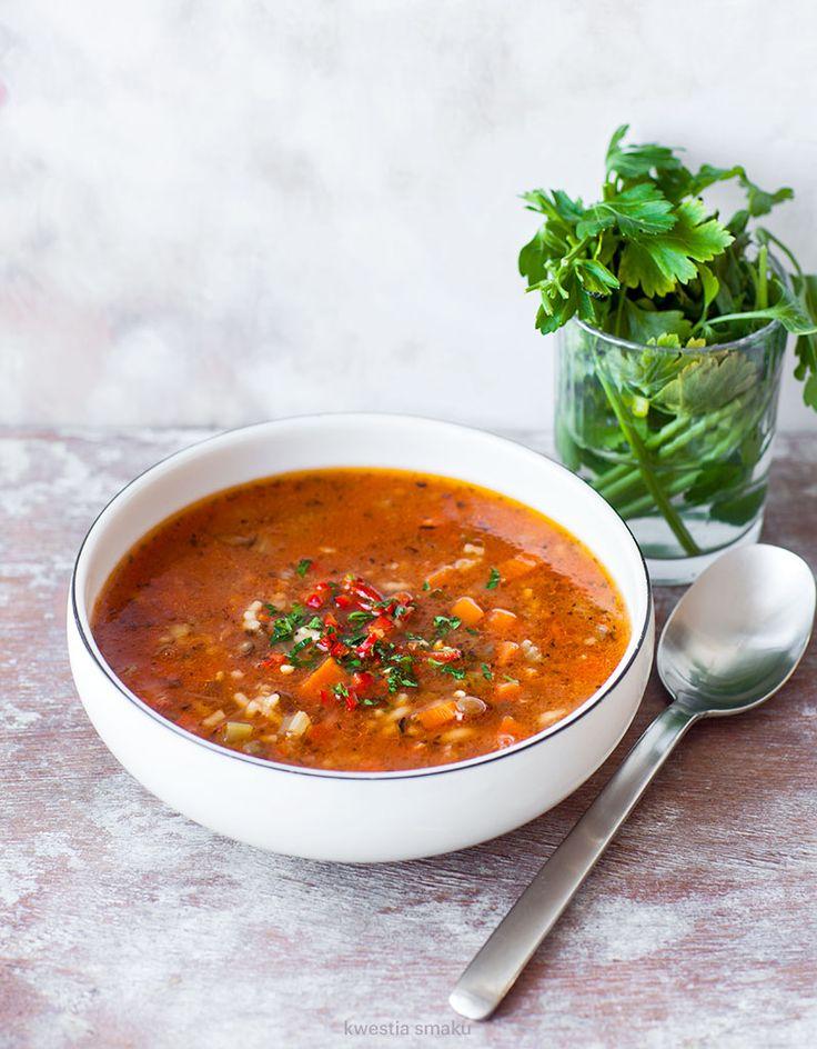 Zupa z zielonej soczewicy z makaronem