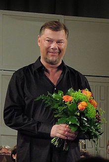 René Pape- ( 4.September 1964- ) ist ein deutscher Opernsänger./Bass