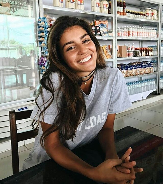 """3,813 vind-ik-leuks, 16 reacties - @navymodels op Instagram: '""""She was a girl who knew how to be happy even when she was sad.  And that's important.""""'"""