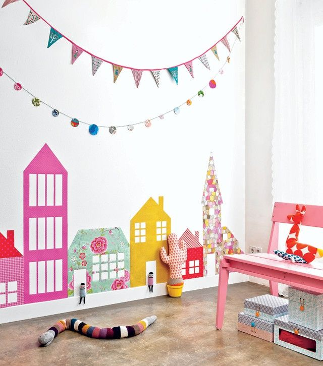 DIY WALL DECOR -  A city on the wall! You make it easily with cheerful and colorful wallpaper