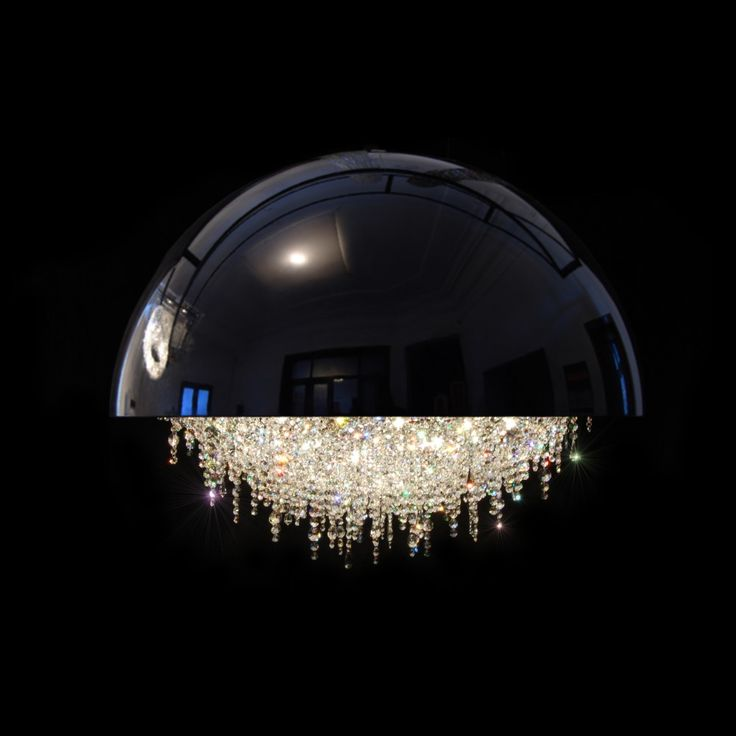 Manooi's most famous collection of custom-made crystal chandeliers featuring our flagship product Ozero is called Personal Universe. The contemporary and l