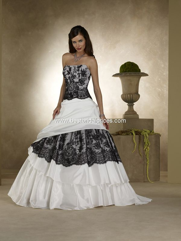princess-wedding-dress-with-black-and-white-colours