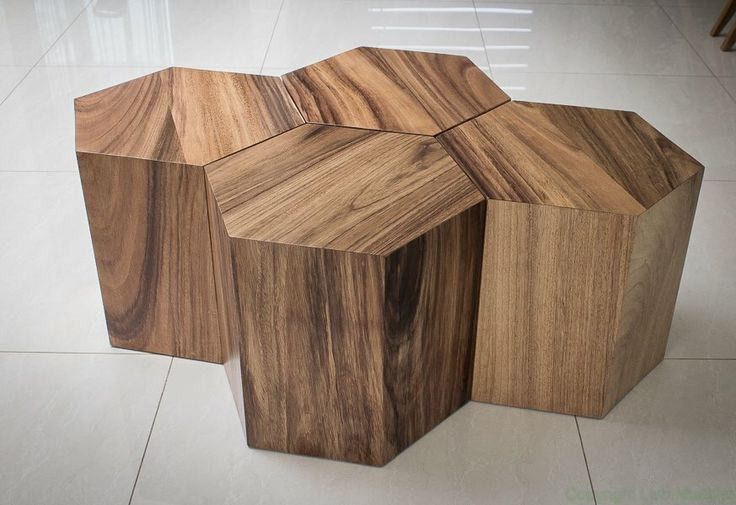 Mesa de centro compuesta de 4 hexágonos en madera de parota.