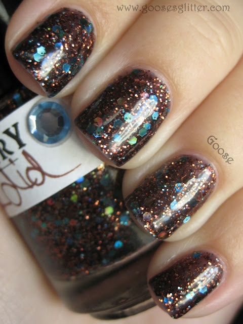 .: Nails Art, Brown Glitter Nails, Nails Colors, Fun Nails, Goo Glitter, Nails Polish, Goose Glitter, Blue Glitter, Glitter Heavens
